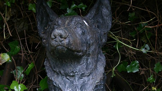 Bust of Petra in the Blue Peter Garden