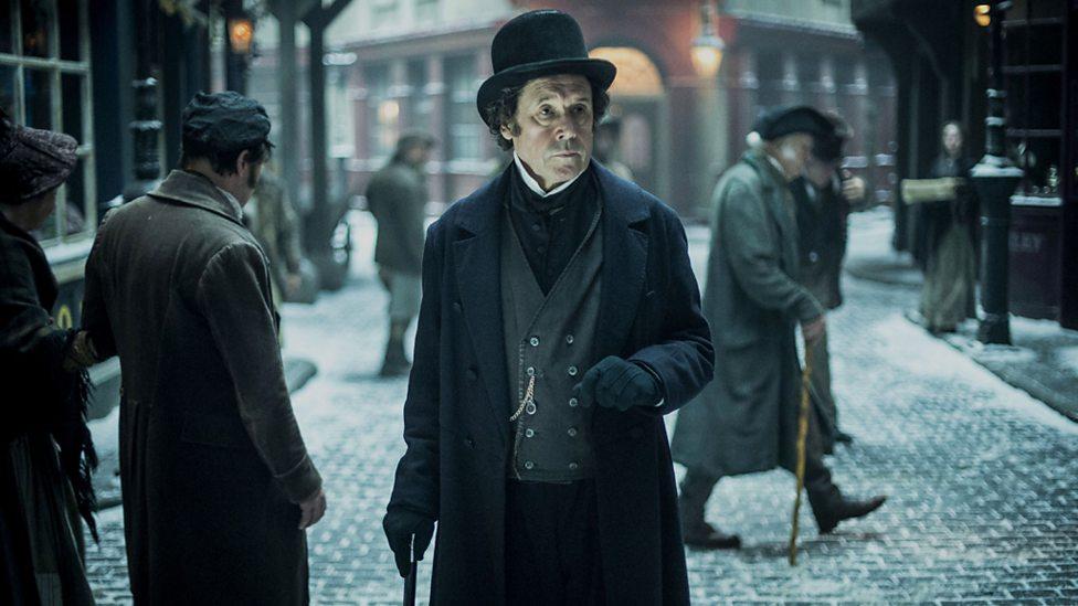 Inspector Bucket (Stephen Rea)