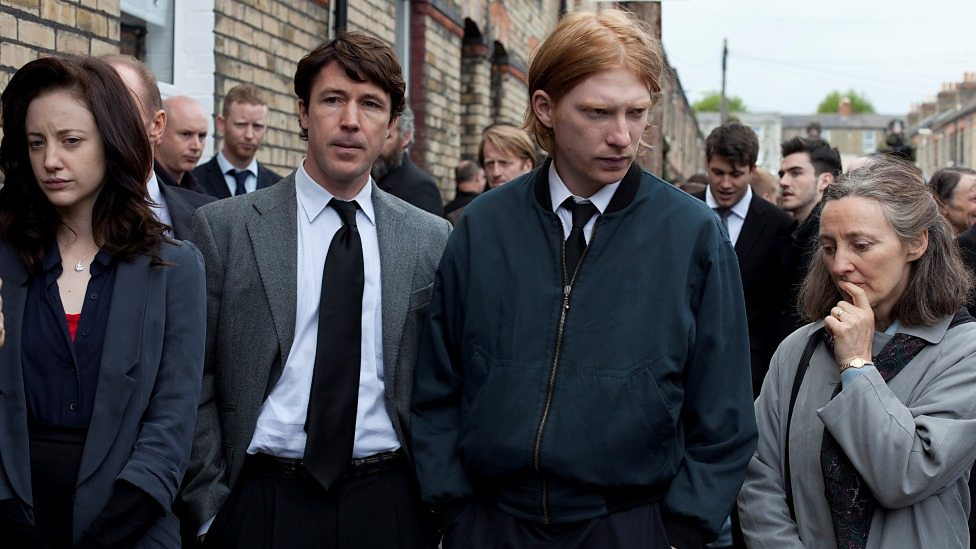 Andrea Riseborough, Aidan Gillen, Domhnall Gleeson, Brid Brennan in Shadow Dancer
