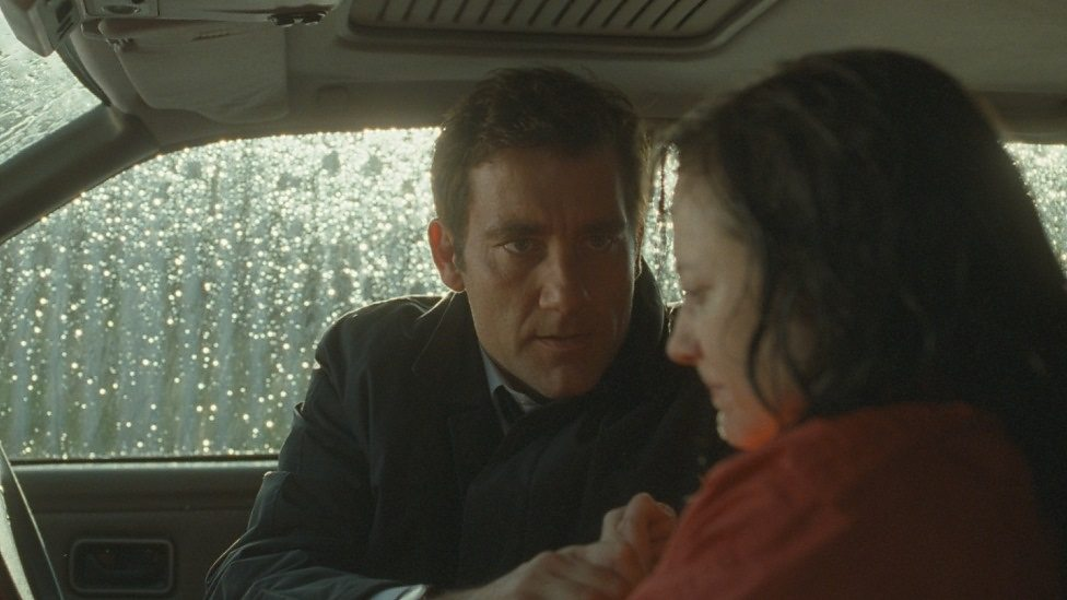 Clive Owen and Andrea Riseborough in Shadow Dancer