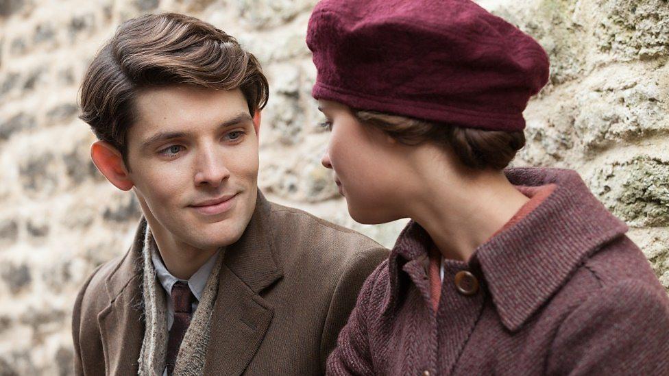 Colin Morgan and Alicia Vikander in Testament of Youth