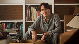 Fiona Shaw (Carolyn)