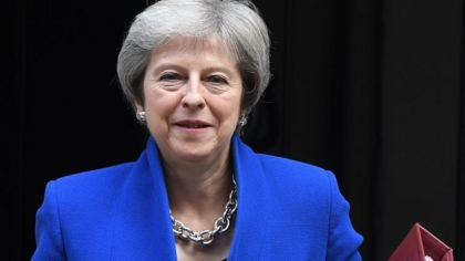 May seeks business backing for Brexit plan